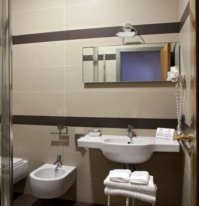 Hotel del Corso Sorrento - Bagno camera superior